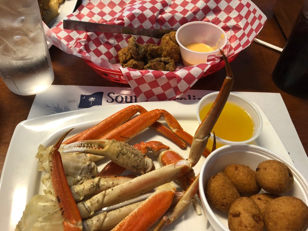 Ms. Minnie's Seafood & More: 917 W Gold St, McCormick, SC