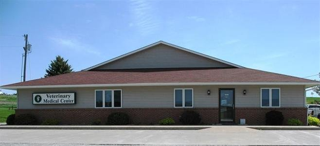 Veterinary Medical Center: 411 N Highland St, Williamsburg, IA