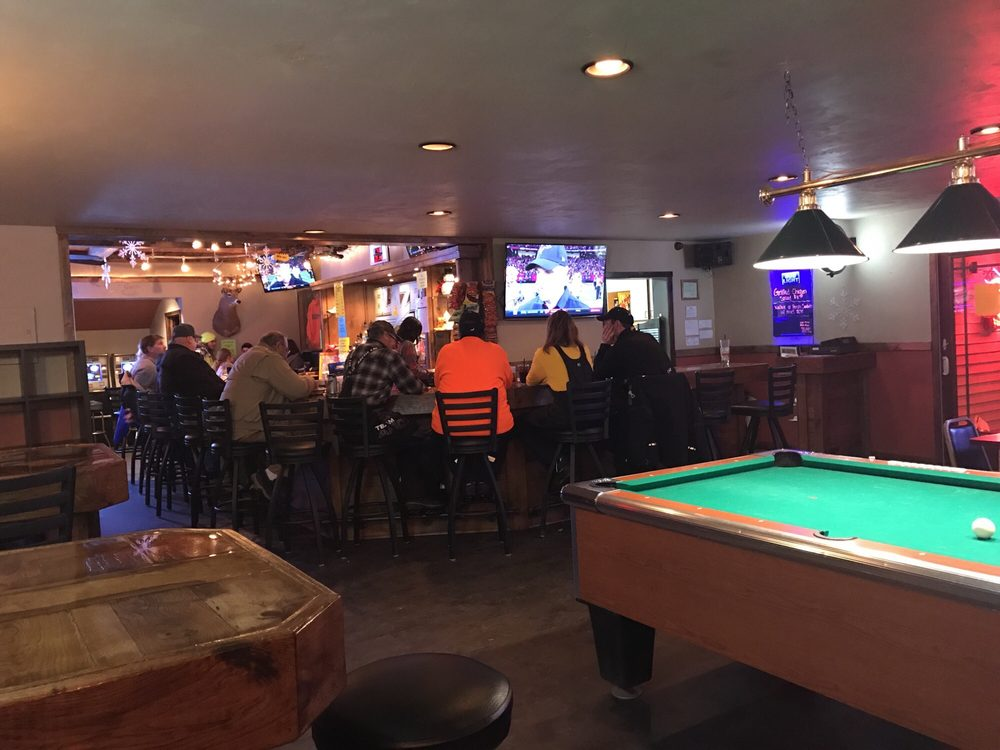 Blazers Bar & Grill: N3189 Hwy Ss, Split Rock, WI