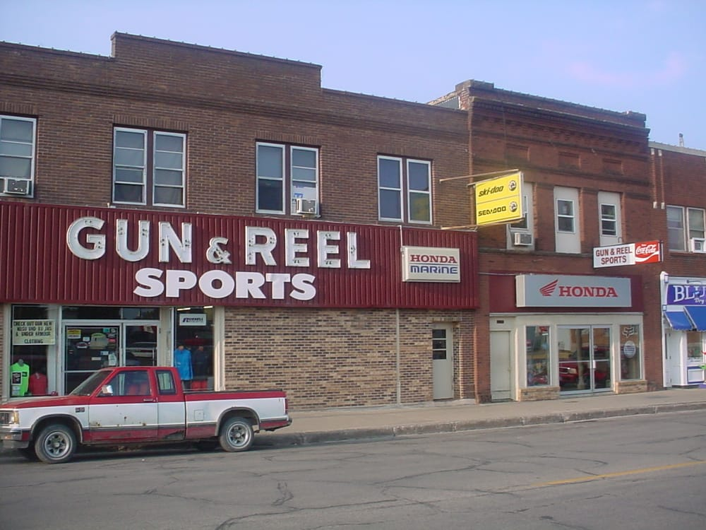 Gun & Reel Sports: 115 1st St W, Jamestown, ND