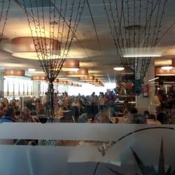 Le grand buffet spanish avinguda galicia 2 la for Restaurant la jonquera