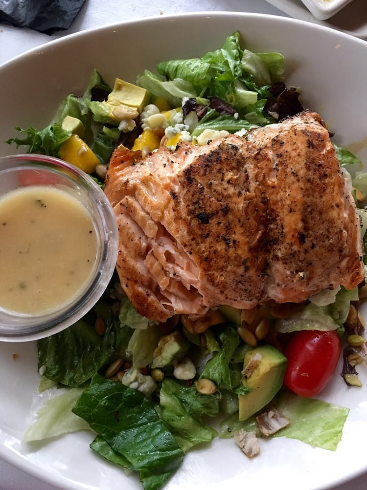 Bonefish Cobb Salad