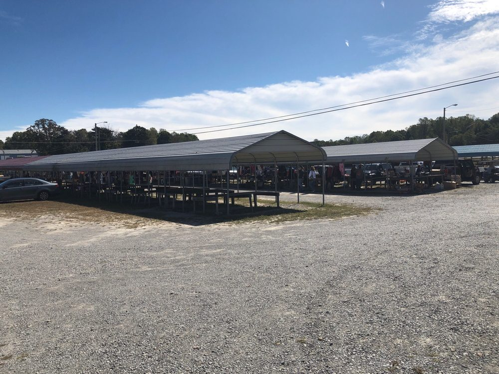 I-24 Flea Market-Arts-Crafts: 424 W Main St, Monteagle, TN