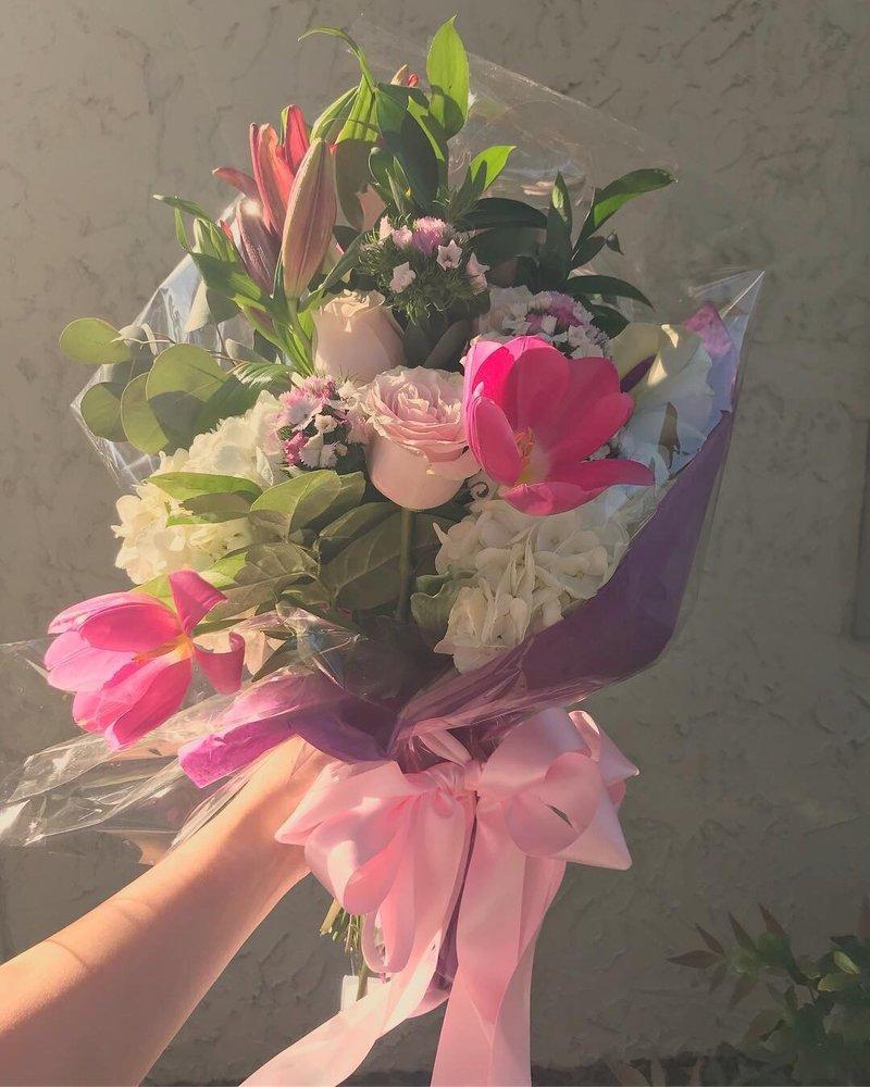 La Mee The Florist Florists 5040 St Augustine Rd Mandarin
