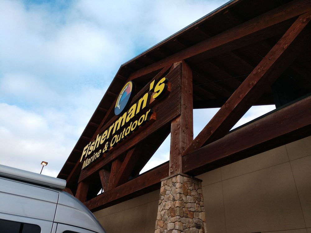 Fisherman's Marine & Outdoor: 1120 N Hayden Meadows Dr, Portland, OR