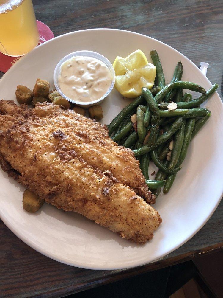 OLIVER'S Hometown Restaurant and Bar: 121 E Wade St, Wadesboro, NC