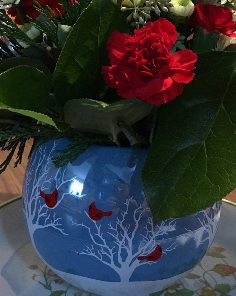 Anton's Florist: 152 Harding Hwy, Vineland, NJ