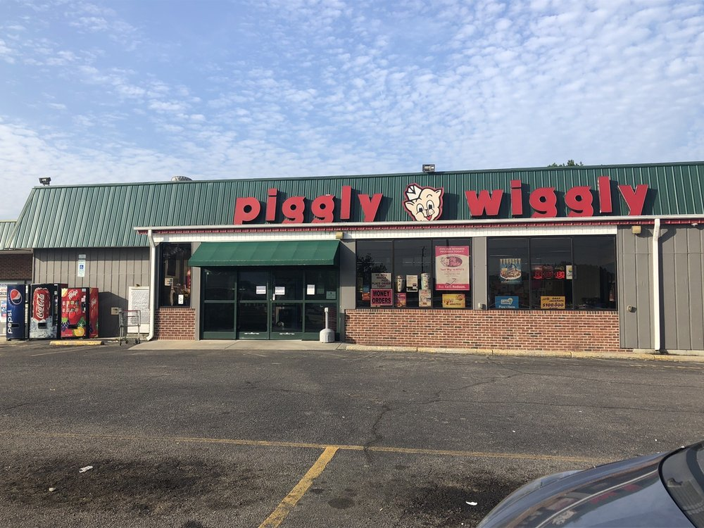 Piggly Wiggly: 300 N Main St, Broadway, NC
