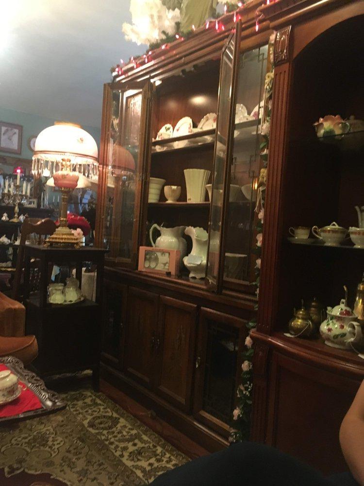 The Porcelain Rose Gift Shoppe & Rawnsleys Tea Parlour | 5612 Ocean Beach Hwy, Longview, WA, 98632 | +1 (360) 425-1437