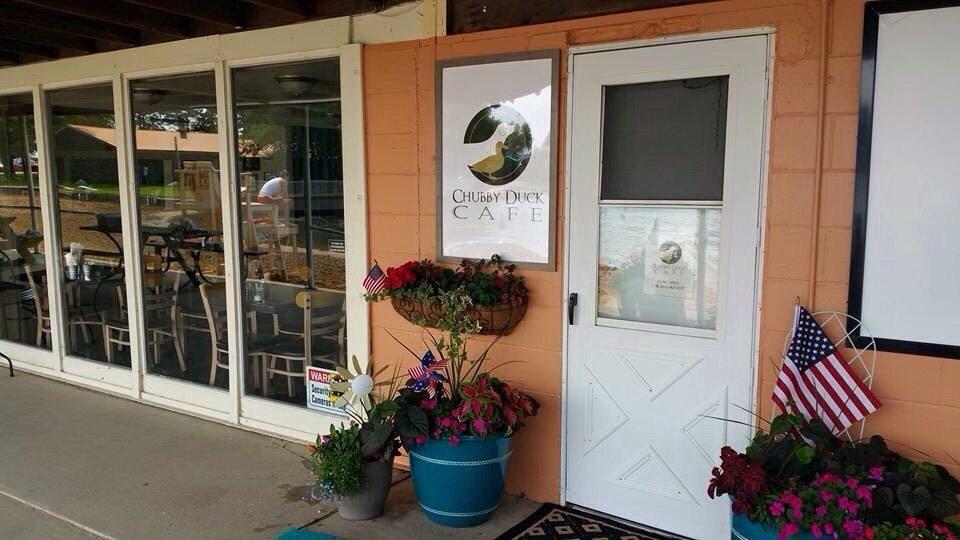 Chubby Duck Cafe: 18530 W 3000N Rd, Reddick, IL