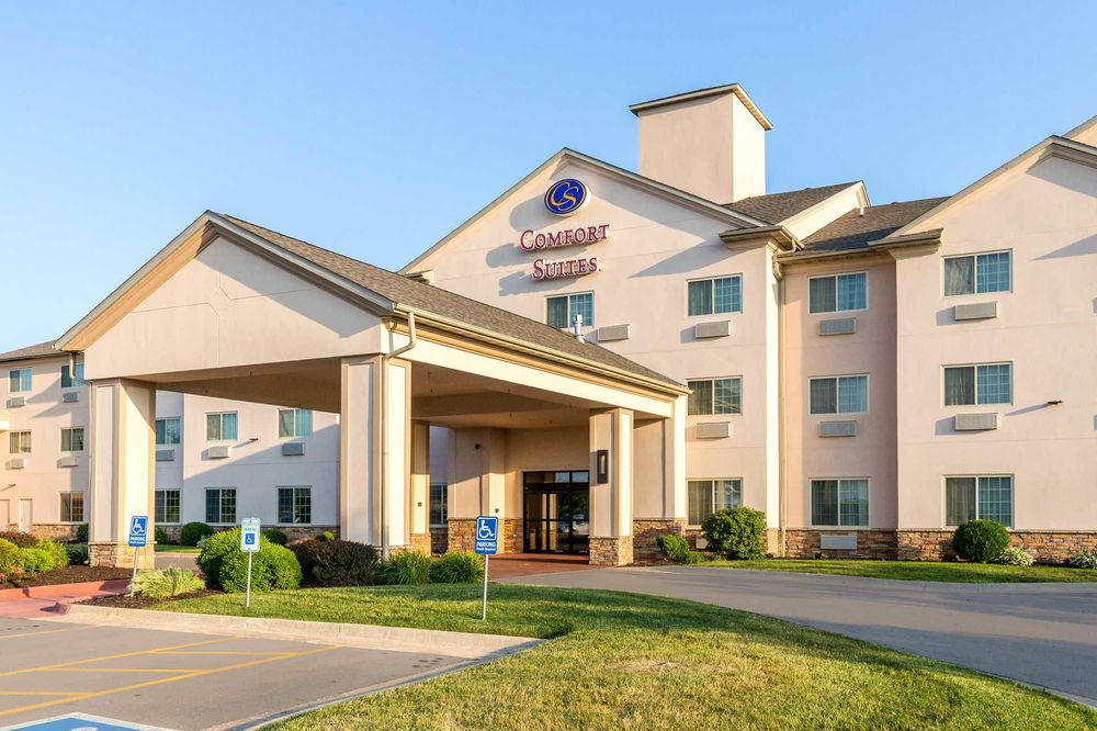 Comfort Suites: 1780 Stonegate Center Drive, Burlington, IA