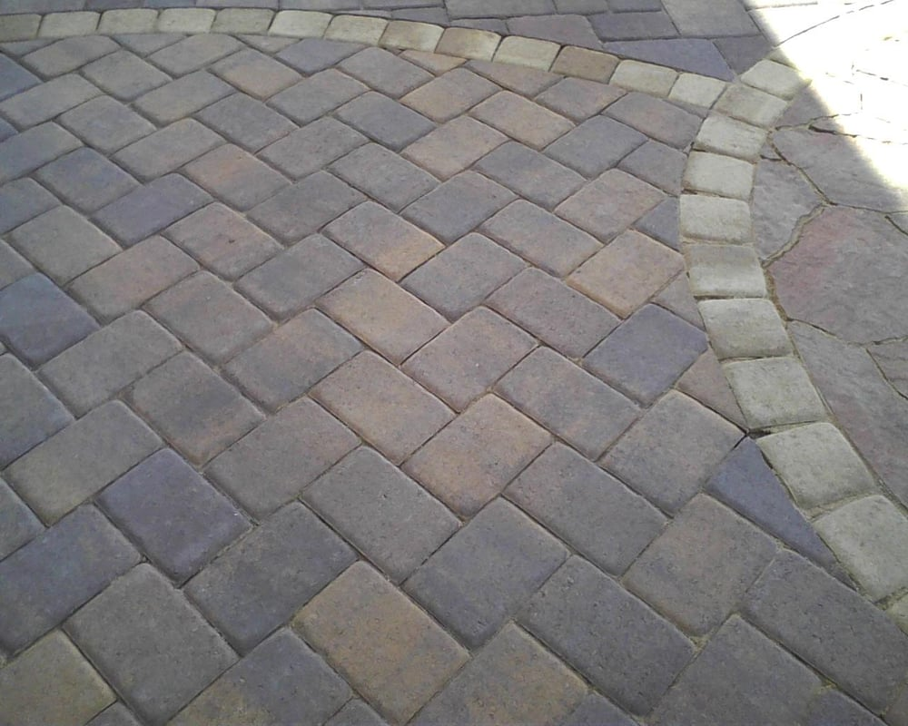 Autumn Blend Urbana Pavers Bordered By Cambridge Cobble