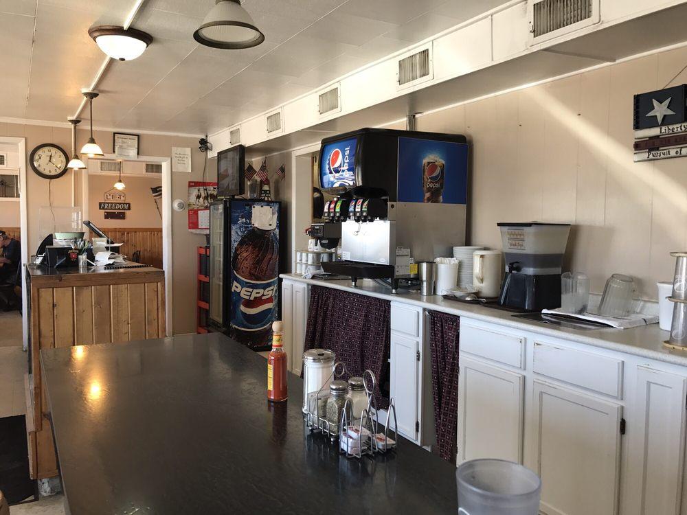SNS Cafe: 205 Avenue A, Oshkosh, NE