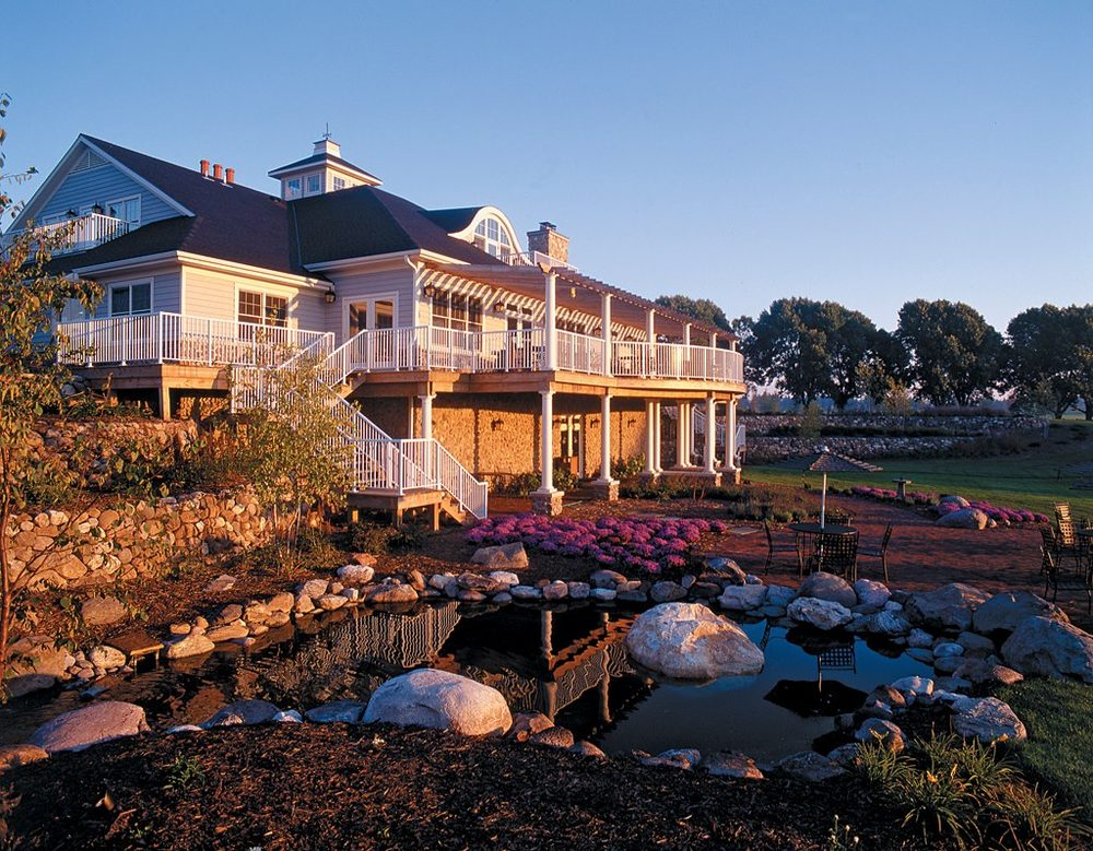 Champions Restaurant & Bar: 1 Long Dr, Sheboygan Falls, WI