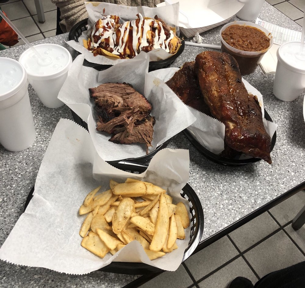 The Joint-BBQ, Wings, & More: 30 Outlet Ave, Eddyville, KY