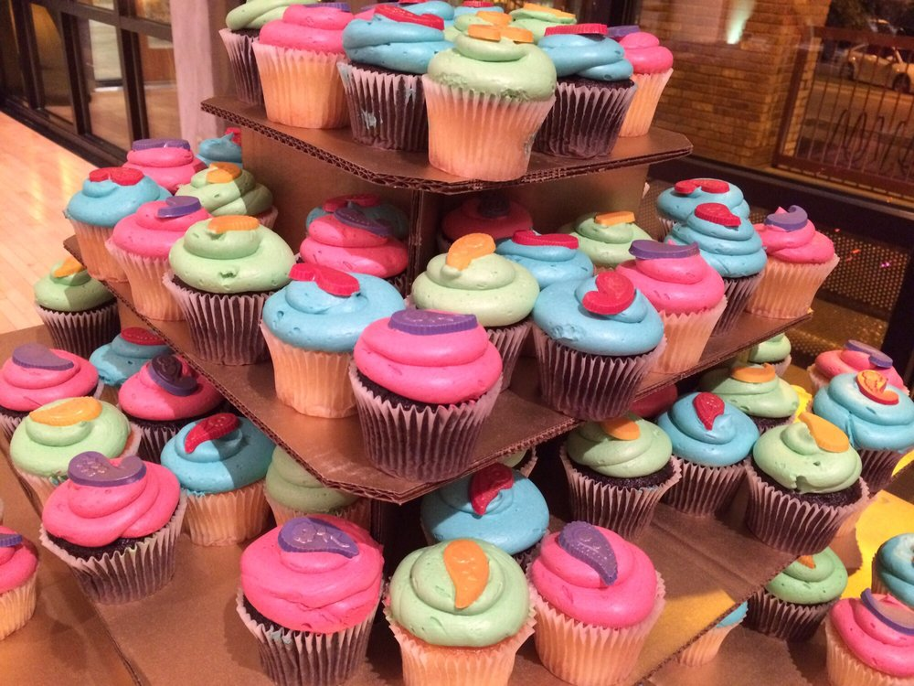Amazing Custom Cupcakes From The Bakery