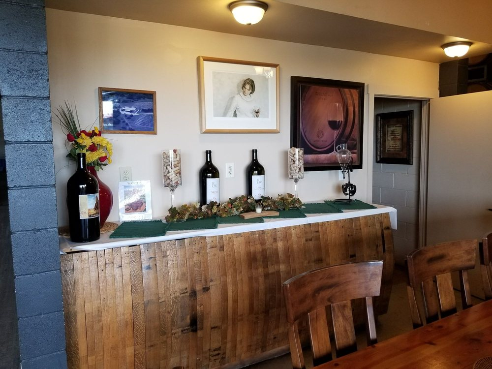 Red Caboose Winery and Vineyards: 1147 County Rd 1110, Meridian, TX