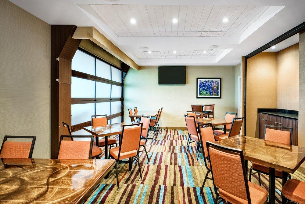 Fairfield Inn & Suites by Marriott Van: 3064 Interstate 20, Van, TX