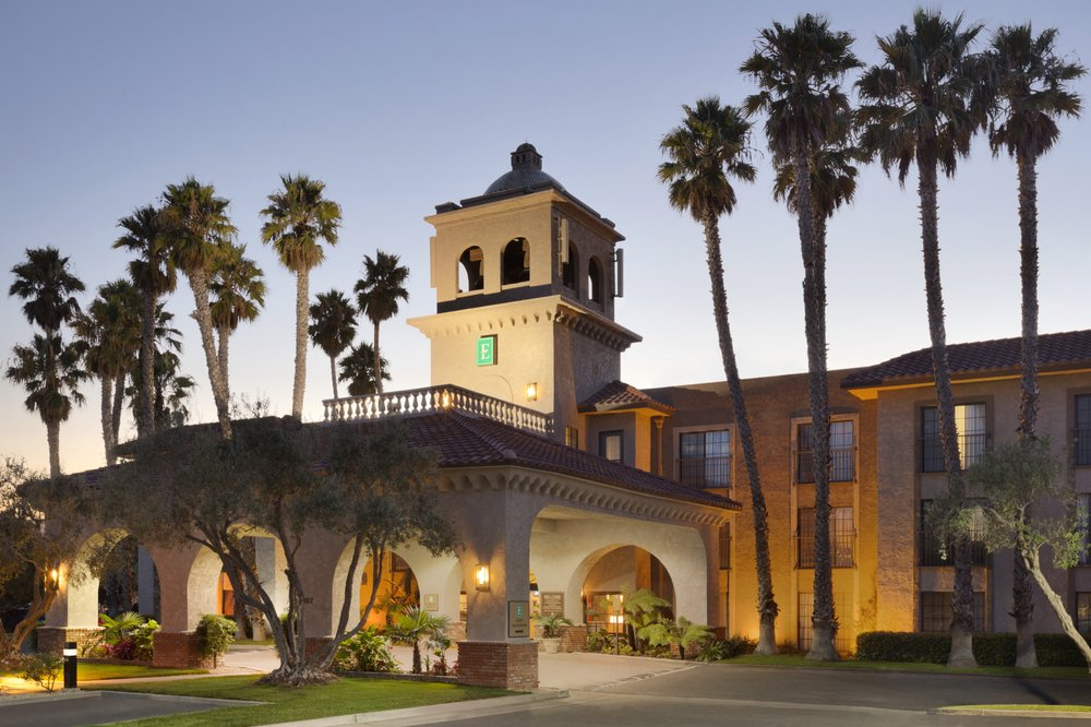 Embassy Suites by Hilton Lompoc Central Coast: 1117 N H St, Lompoc, CA