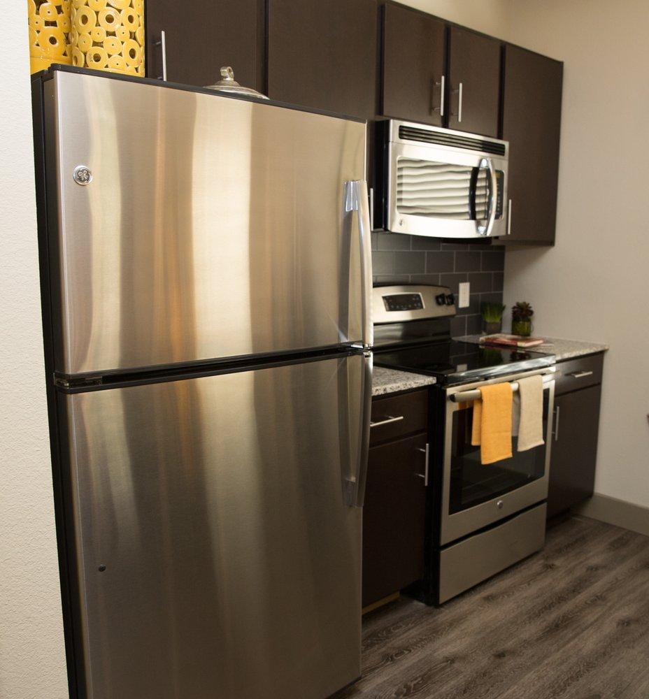 Uptown Minneapolis Apartments: 1354 Thorpe Ln