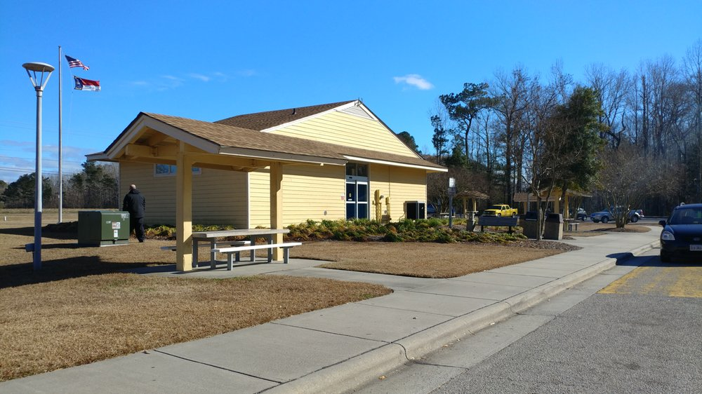 Currituck County Rest Area: 5330 Caratoke Hwy, Poplar Branch, NC
