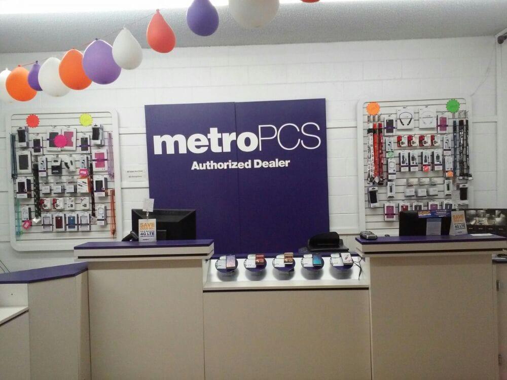MetroPCS: 325 Henry St, Vallejo, CA