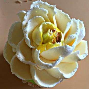 The White Flower Cake Shoppe 29 Photos 17 Reviews Cupcakes