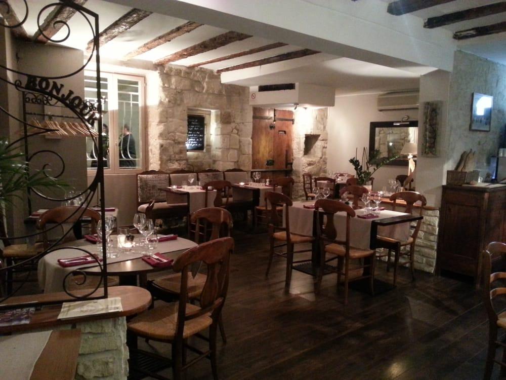 Restaurant le 26 fran ais 26 rue des 3 faucons for Restaurant le miroir rue des martyrs