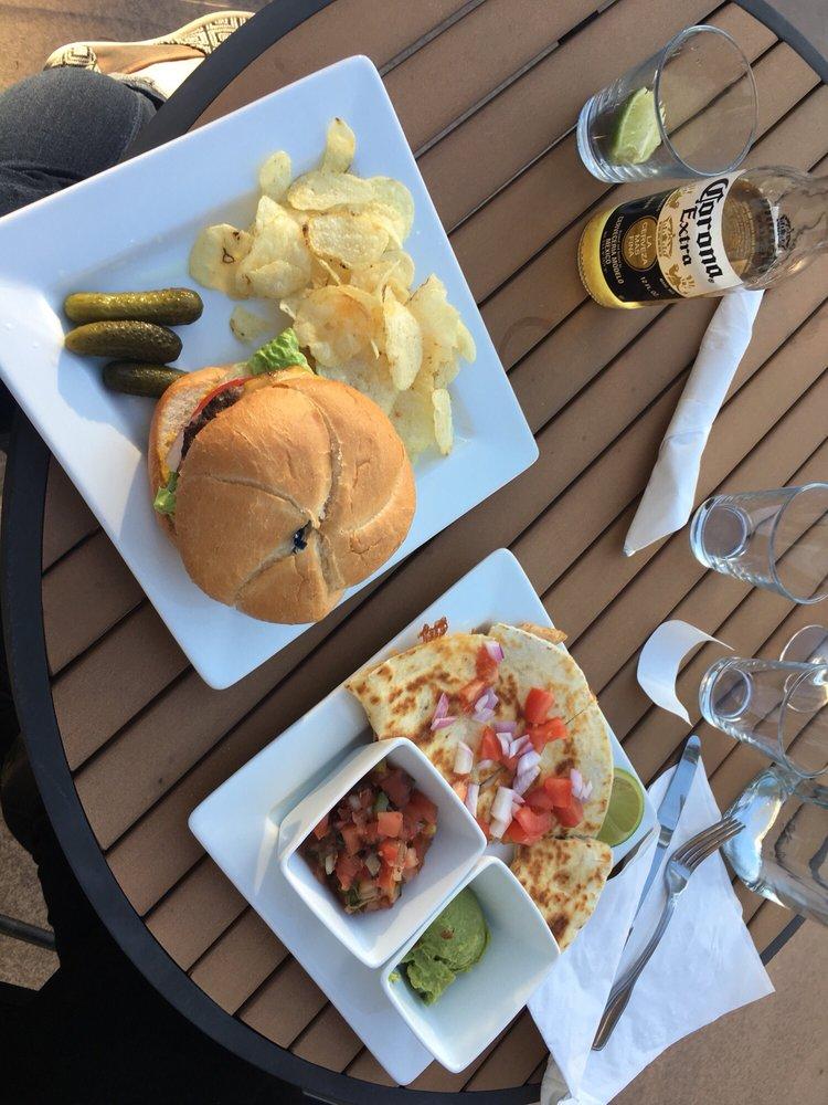 Anacortes Ship Harbor Inn Cafe: 5316 Ferry Terminal Rd, Anacortes, WA