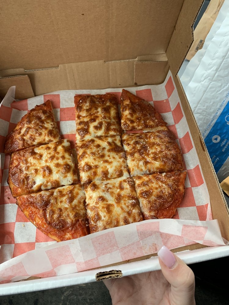 Picnic's Pizza & Grill: 3 E Woodside Dr, Arcanum, OH