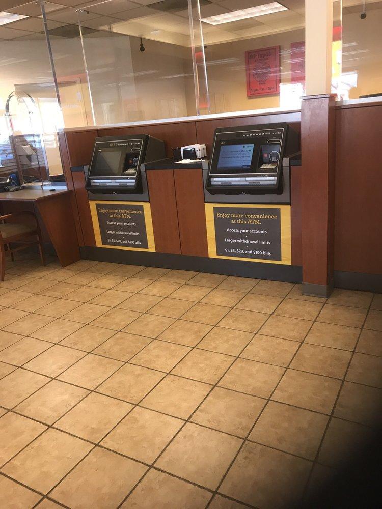 Wells Fargo Bank - (New) 75 Reviews - Banks & Credit Unions