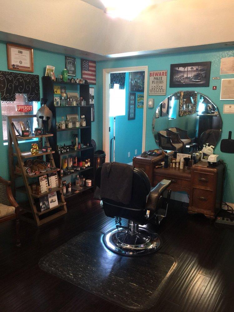 Morey's Salon Barber & Shave Shop: 2323 N Cocoa Blvd, Cocoa, FL