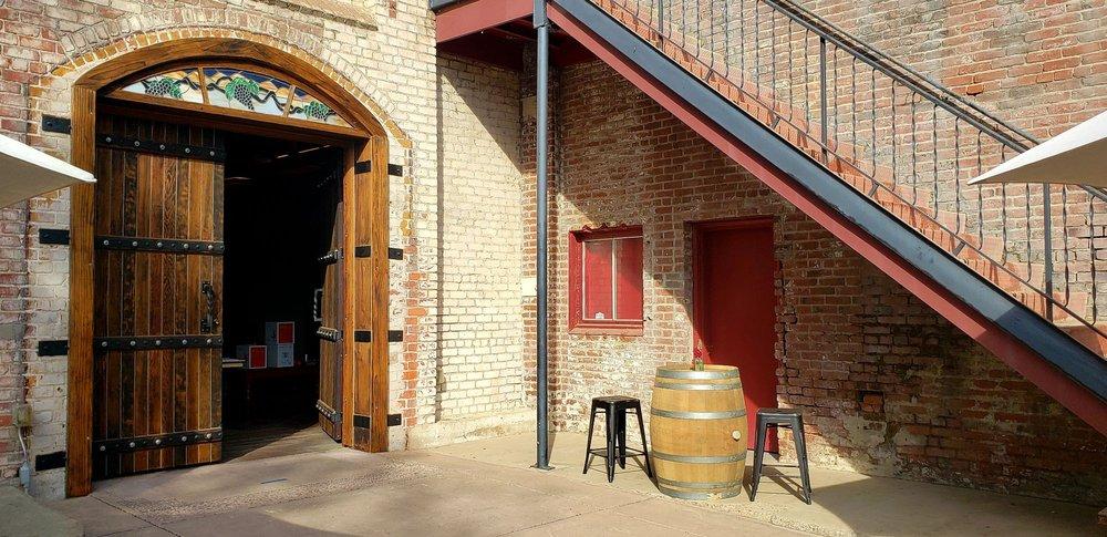 Dancing Coyote Wines Tasting Room: 3125 E Orange St, Acampo, CA