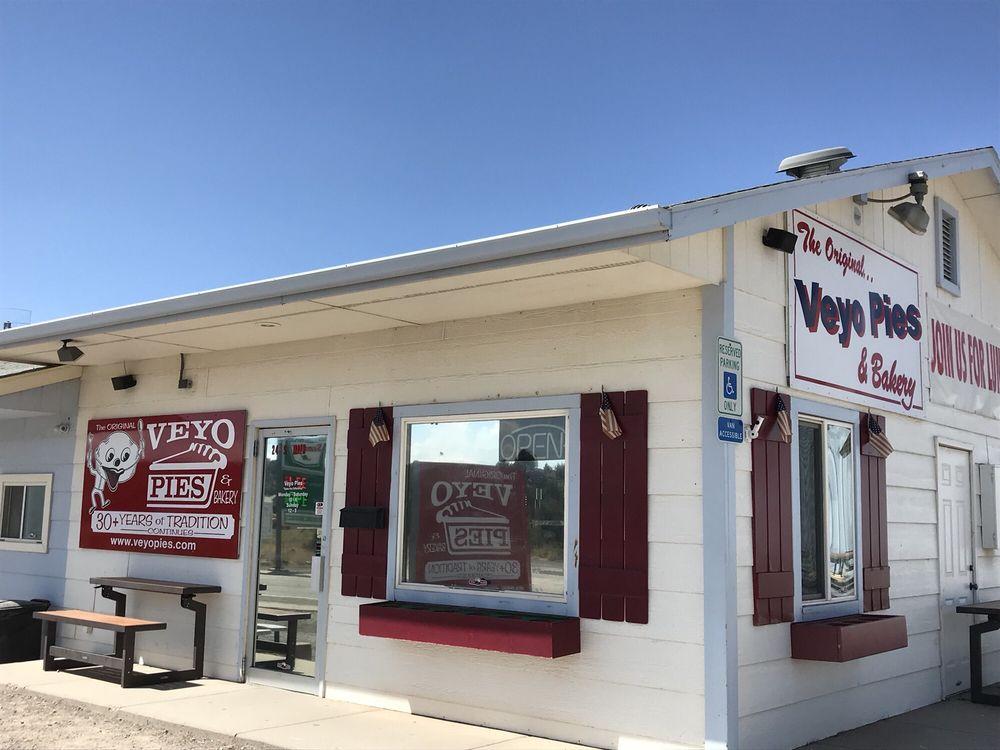 Veyo Pies: 24 S Main St, Veyo, UT