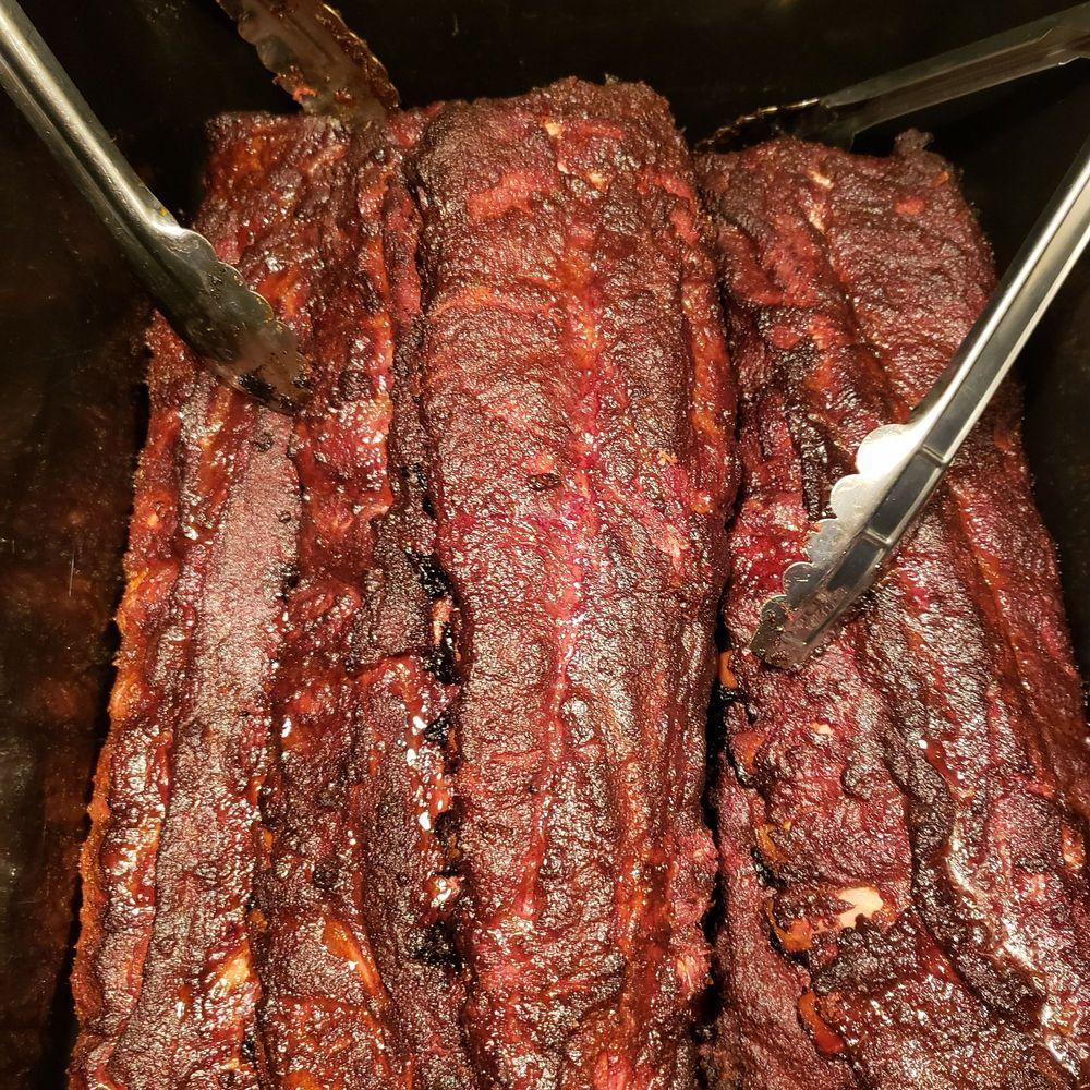 Hubb's Grub BBQ Cuisine: 39411 Schoolcraft, Plymouth, MI