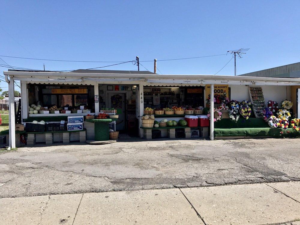 Mae's Market
