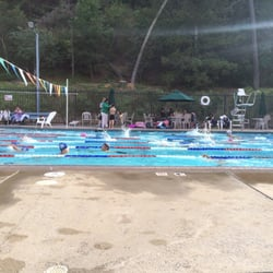 Forest hills aquatic park piscine 375 lindsey dr for Piscine forest hill