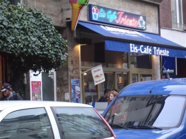 eis caf trieste eisdiele frozen yogurt belgisches viertel k ln nordrhein westfalen. Black Bedroom Furniture Sets. Home Design Ideas