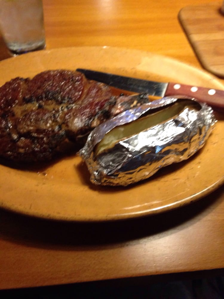 Taylor Steakhouse: 14201 Hwy 54, Dumas, AR