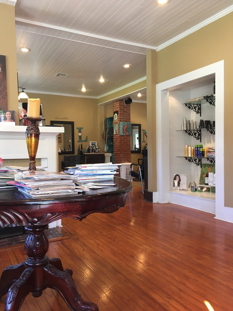 House of Style: 117 E Waddil St, Marksville, LA