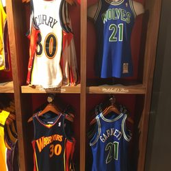 88e709c7095 NBA Store - 174 Photos   53 Reviews - Sports Wear - 545 5th Ave ...