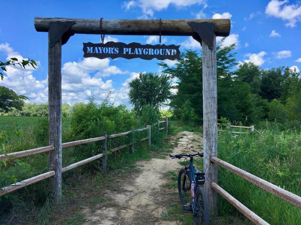 CamRock Park: 68 County Hwy B, Cambridge, WI