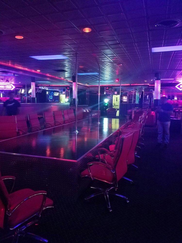 Lust Gentlemen's Club: 1110 Hedgesville Rd, Martinsburg, WV