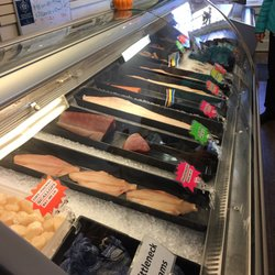 Welton s fresh seafood market 15 reviews seafood for Fish market virginia beach