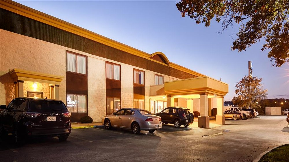Best Western Huntington Mall Inn: 3441 US Route 60 E, Barboursville, WV