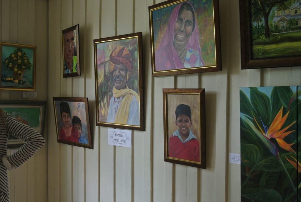 Barron Park House Gallery: 471 N Lee St, LaBelle, FL
