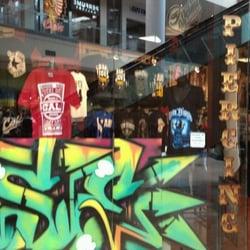 619 underground clothing moda 631 parkway plz mall el for Tattoo shops in el cajon