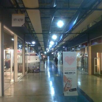 Sevilla factory 12 fotos y 13 rese as centros - Factory de dos hermanas sevilla ...