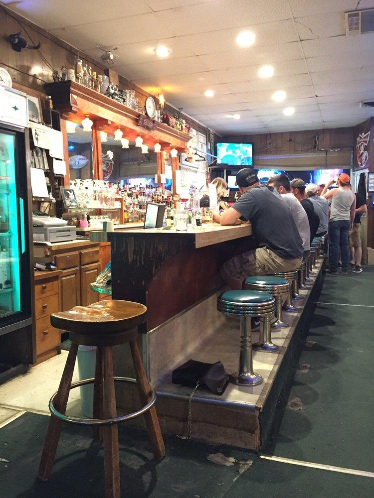 Grady's Tavern: 20 E Washington St, Huntington, OR