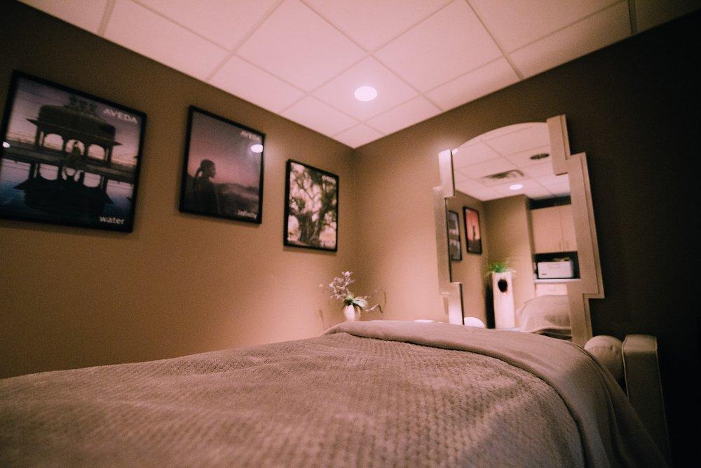 Nadia's Salon & Spa: 3210 Center Point Rd NE, Cedar Rapids, IA